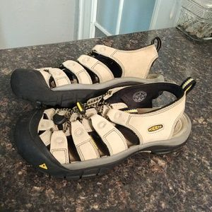 Keen waterproof leather sandals 9